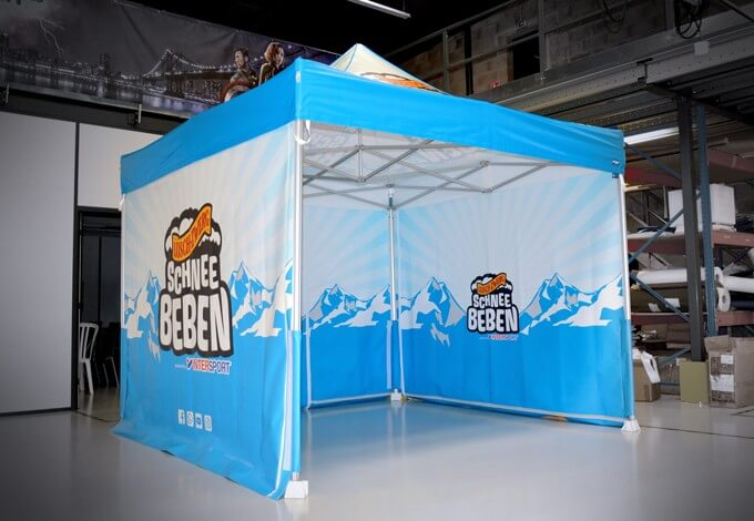 Tente pliante imprimée marque Intersport