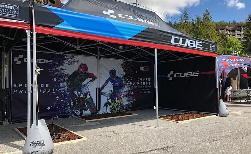 Personnalisation de tente pliante pour la marque Cube
