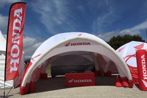 Tente gonflable publicitaire 6x6 pour la marque Honda