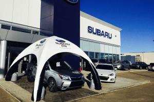 Tente gonflable promotionnelle pour la concession Subaru
