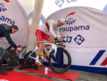 Cycliste Groupama FDJ en préparation
