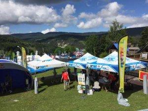 Tentes événementielles au Vélovert festival
