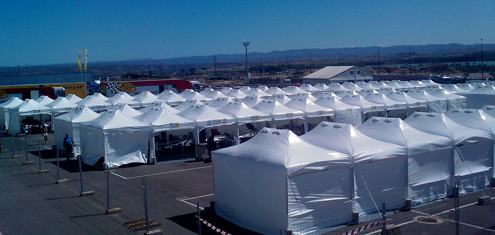 Tentes paddocks au championnat du monde de Karting à Bahrein