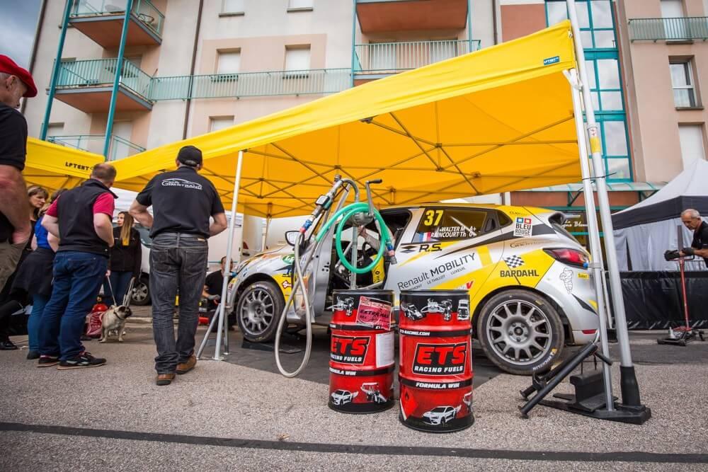 Un stand paddock de rallye en format 3x6m pour le team Renault Sport