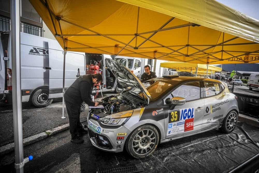 Tente d'assistance rallye pour Renault Sport