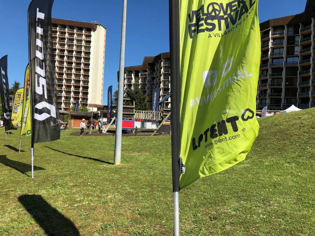 Oriflamme flag pour la pavoisement VéloVert festival