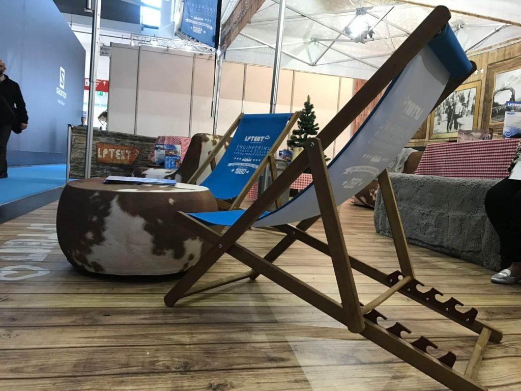 chaise longue pliante personnalisable, mobilier imprimé, pouf gonflable