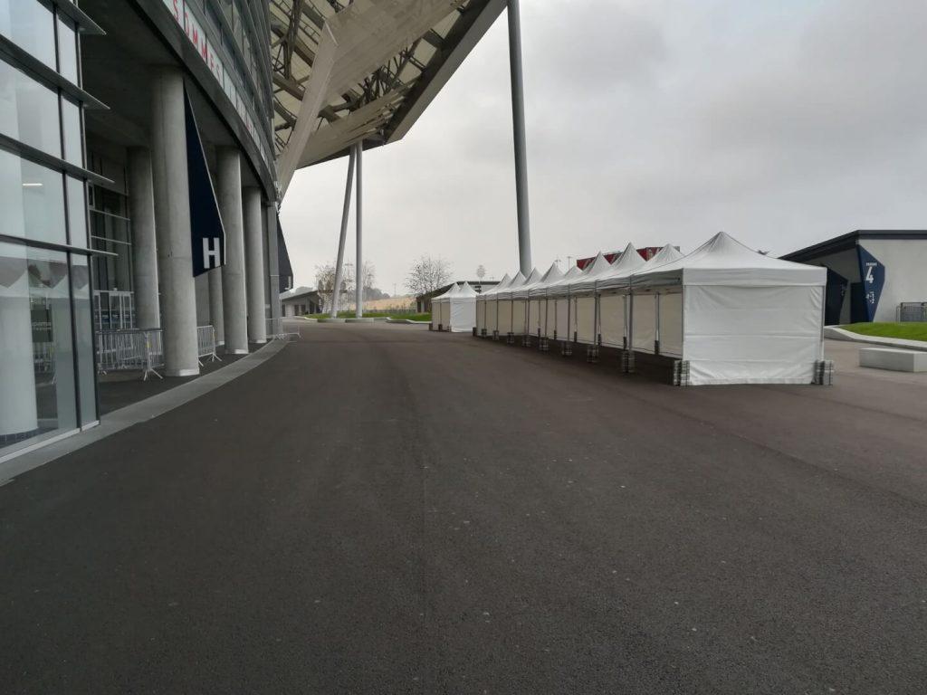 Tente pliante 3x3m au Stade OL