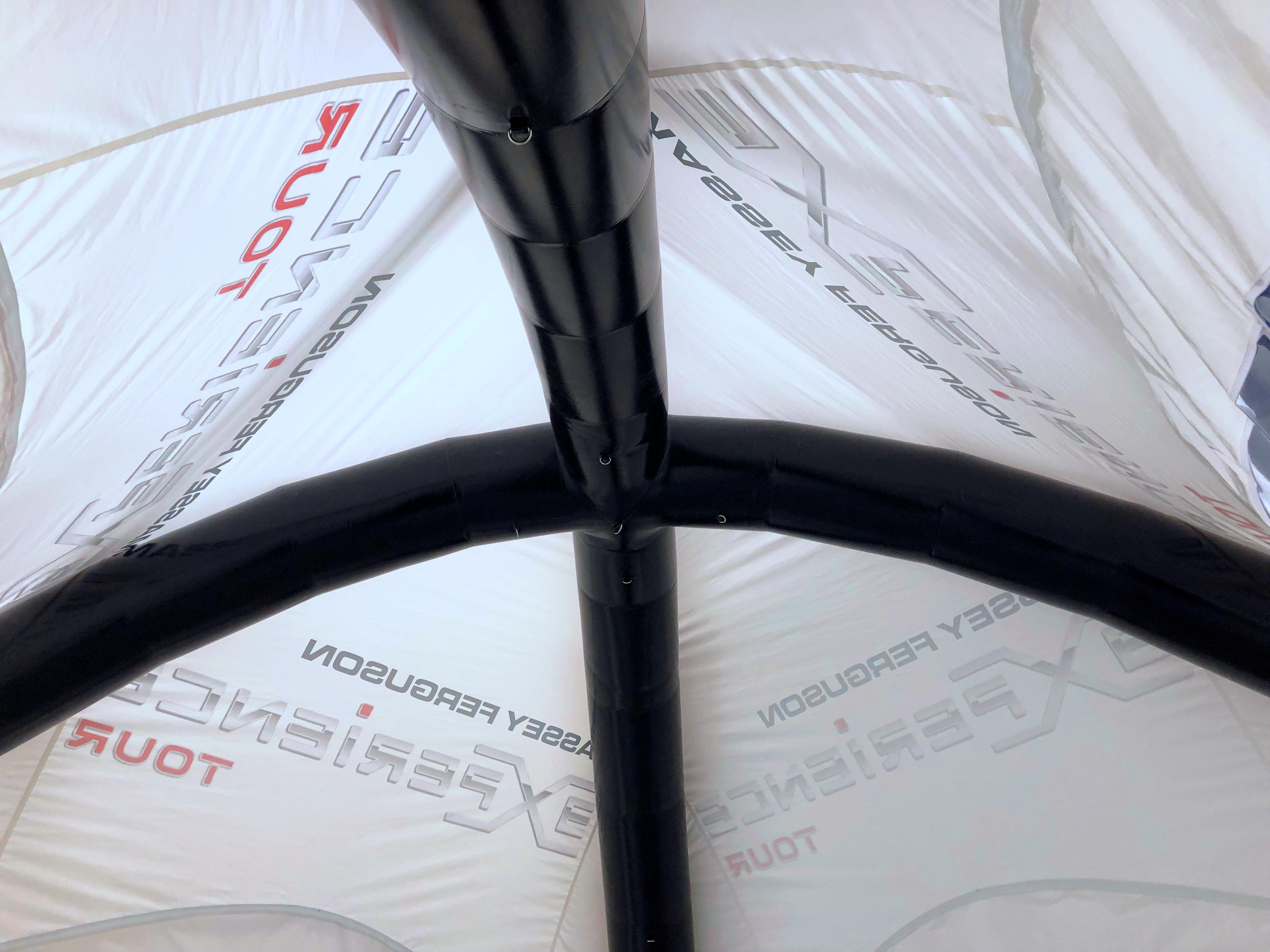 Tente gonflable air captif Massey Ferguson