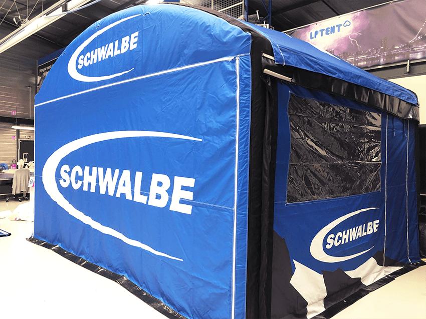 stand publicitaire airbuzz 4x5m Schwalbe