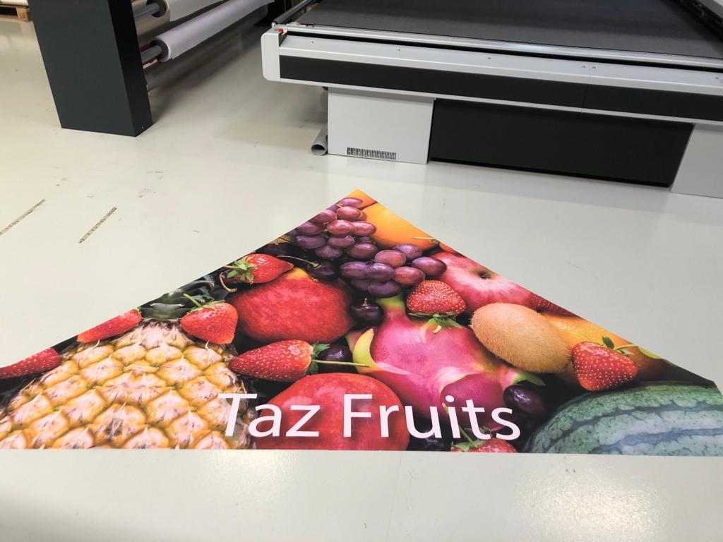 Triangle de toit imprimé Tas Fruit